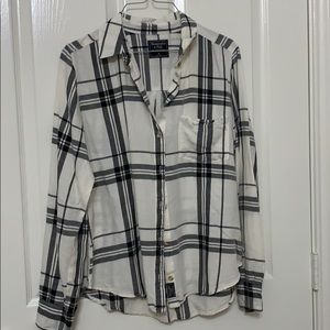 Abercrombie & Fitch plaid button down top